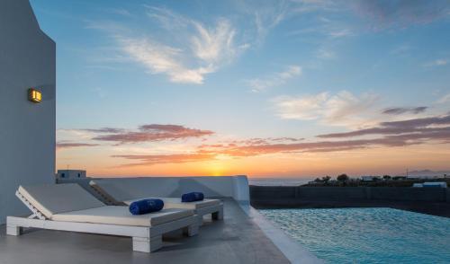 Azar Luxury Villas And Suites