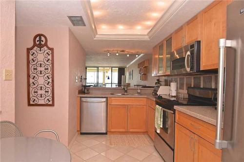 Islands End 302 - Two Bedroom Condominium - Fort Myers Beach, FL 33931