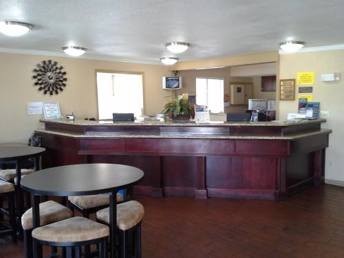 Travelodge By Wyndham Tulsa - Tulsa, OK 74128