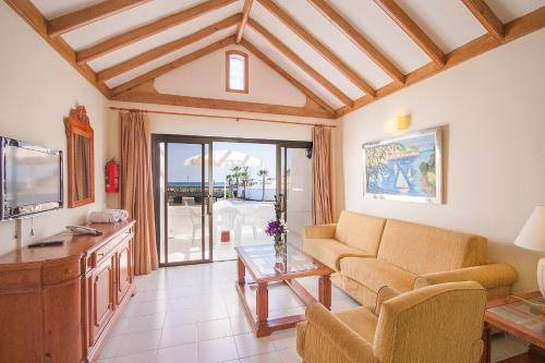 Hd Beach Resort 64