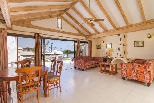 Hd Beach Resort 57