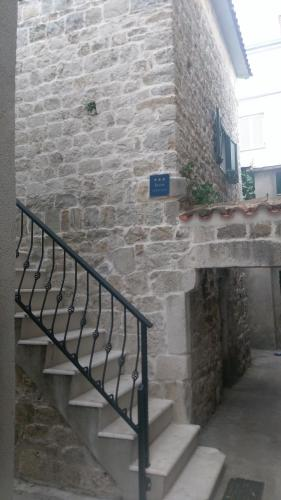Old Stone Apartment