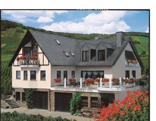 . Ferienweingut Pies Ellenz-Poltersdorf