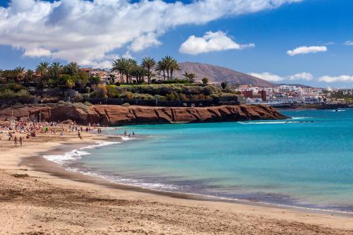 Calle Virgen de Guadalupe 21, Playa La Enramada 38679, Adeje, Tenerife, Spain.
