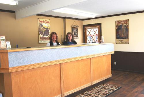 City Center Motel - West Yellowstone, MT 59758