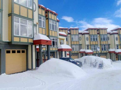 Snowed Inn - Hotel - Silver Star Mountain