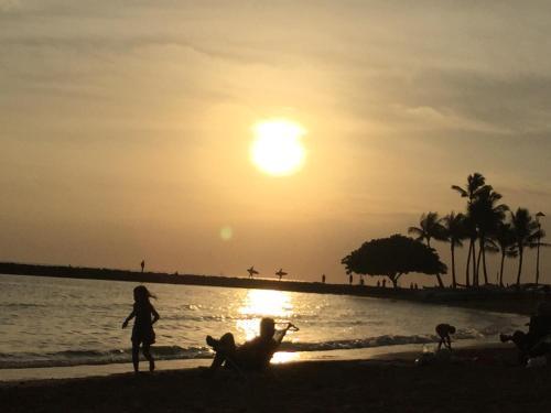 Beautiful Waikiki Hotel Condo On Kuhio Avenue - Honolulu, HI 96815