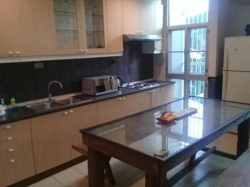 Samsen Suites/ 2 Br Suites for less photo 38