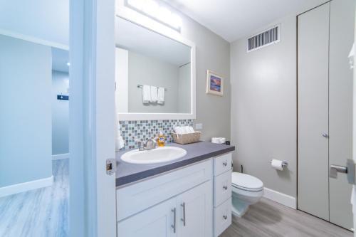 2 Bedroom Condo In The Heart Of Waikiki - Honolulu, HI 96815