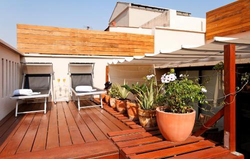 Inside Barcelona Apartments Mercat photo 2