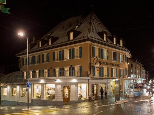 . Hôtel du Cheval Blanc