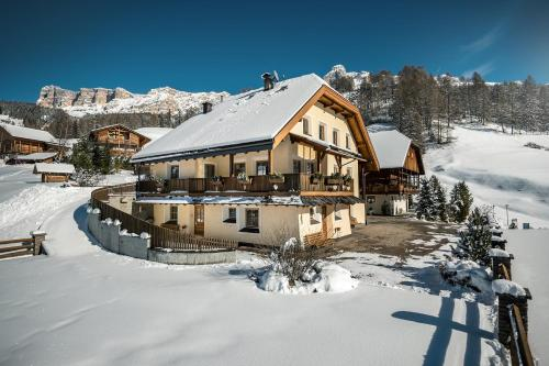 Taela Apartments Alta Badia-San Cassiano/Sankt Kassian