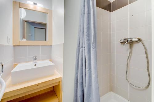 Three-Bedroom Alcove (10 Adults)