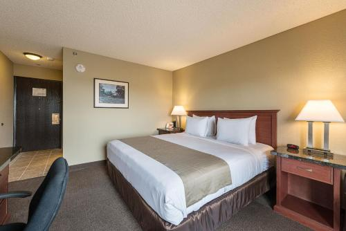 . Rodeway Inn & Suites Portland - Jantzen Beach