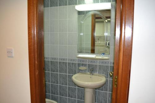Abu Dhabi Plaza Hotel Apartments photo 35