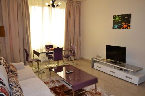 Abu Dhabi Plaza Hotel Apartments photo 15
