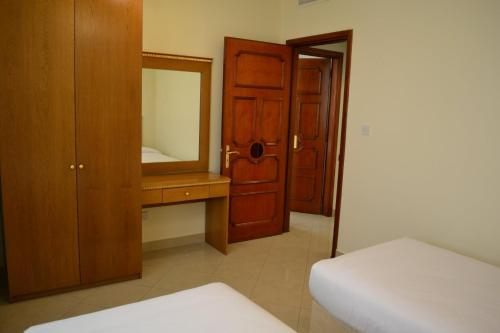 Abu Dhabi Plaza Hotel Apartments photo 49