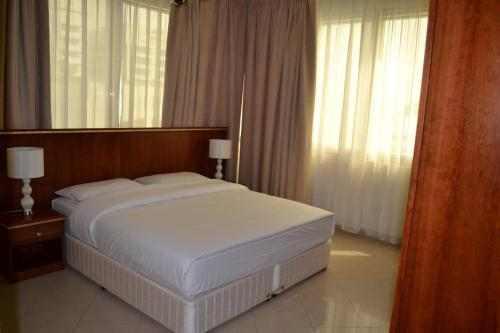 Abu Dhabi Plaza Hotel Apartments photo 17