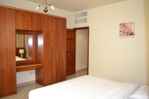 Abu Dhabi Plaza Hotel Apartments photo 18