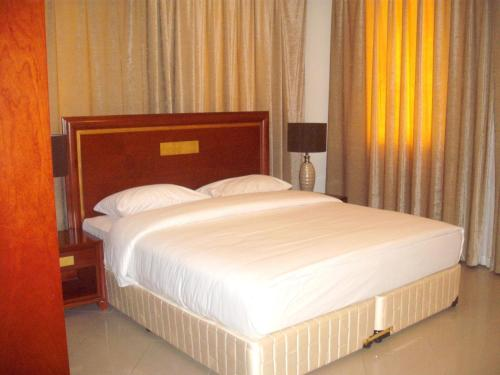 Abu Dhabi Plaza Hotel Apartments Serviced Apartment Deals Photos Reviews