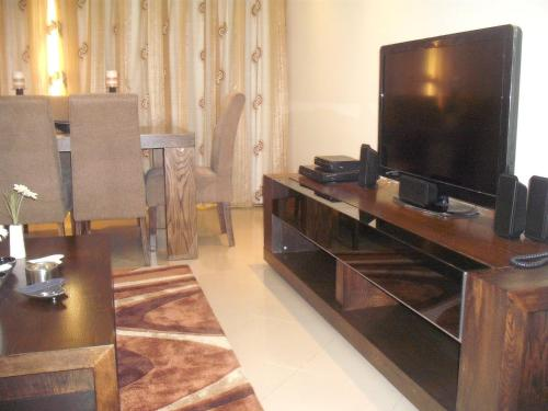 Abu Dhabi Plaza Hotel Apartments photo 23