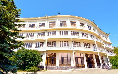 . Blue Sevan Hotel