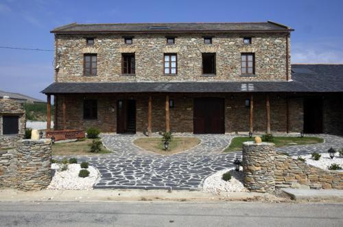 __{offers.Best_flights}__ Hotel y Apartamentos Penarronda Playa