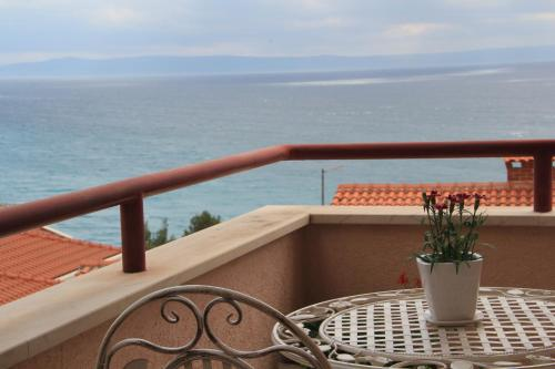 Comfort sea view apartment with two bedrooms