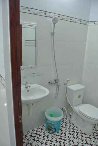 Habitación Individual con baño privado (Single Room with Private Bathroom)