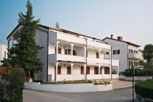 . Apartments AVA