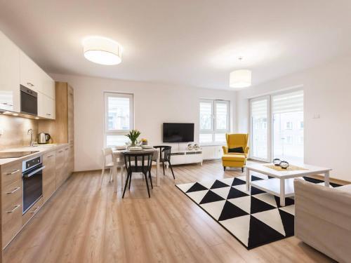 . VacationClub - Solna Apartment C103