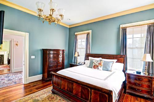 Photo - Fort Conde Inn - Mobile