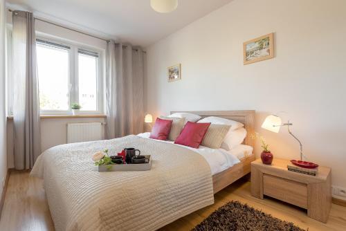 PandO Apartments Metro Imielin