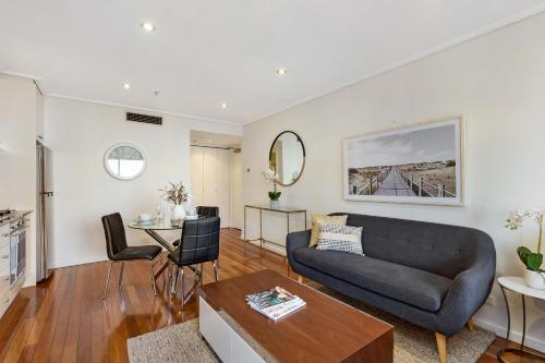 Sydney CBD Self Contained Modern Studio Apartments (PITT) - image 12