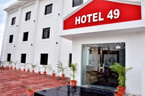 Hotel 49