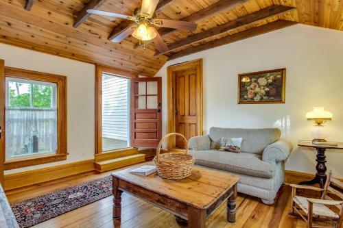 . One Bedroom Duplex Farmhouse