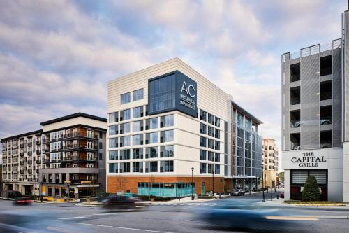 AC Hotel by Marriott Raleigh North Hills - Raleigh