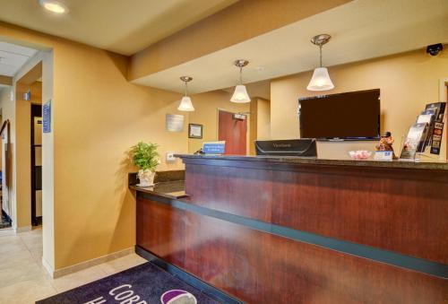 Cobblestone Hotel & Suites - Punxsutawney - Punxsutawney, PA 15767