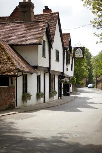 High Street, Hurley, Berkshire SL6 5LX, England.