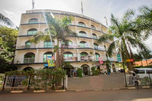 La Grand Chez Johnson Hotel Muyenga