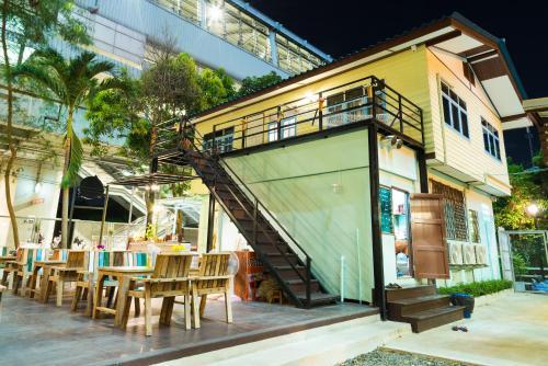 NTY Hostel Near Suvarnabhumi Airport impression