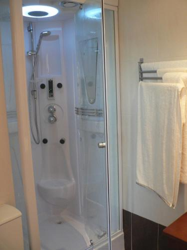 Double or Twin Room with Sea View Hotel Naturaleza Mar da Ardora Wellness & Spa 24