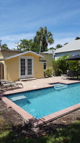 Casa Del Sol - West Palm Beach, FL 33401