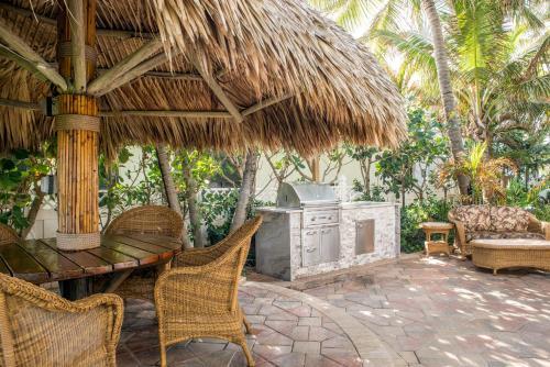 High Noon Beach Resort - image 12