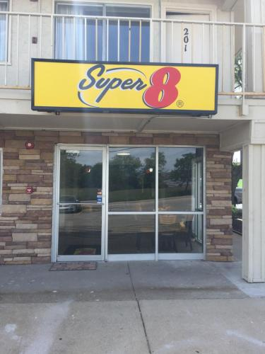 Super 8 By Wyndham Florence - Florence, KY 41042