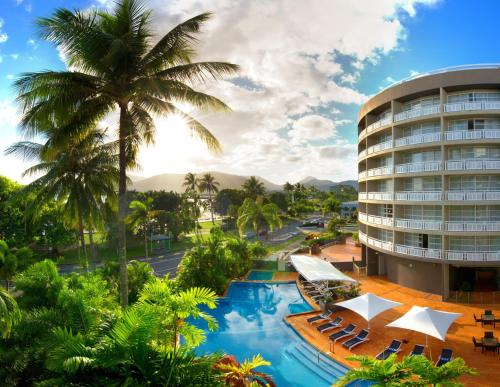 . DoubleTree by Hilton Cairns