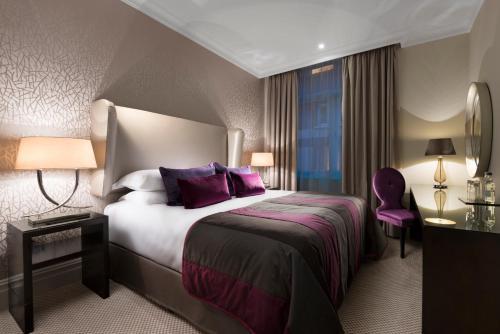 Taj 51 Buckingham Gate Suites and Residences photo 33