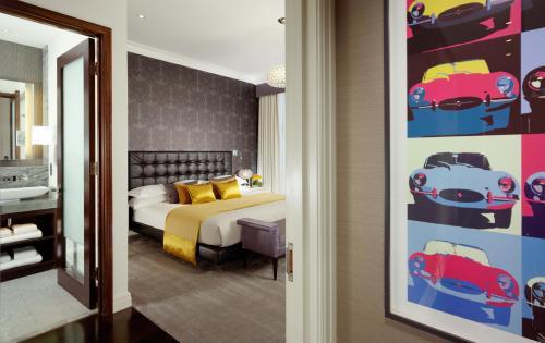 Taj 51 Buckingham Gate Suites and Residences photo 43