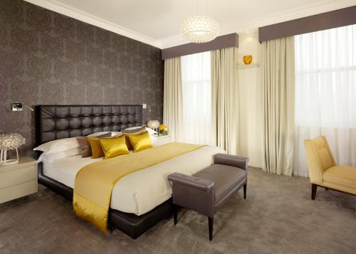 Taj 51 Buckingham Gate Suites and Residences photo 44