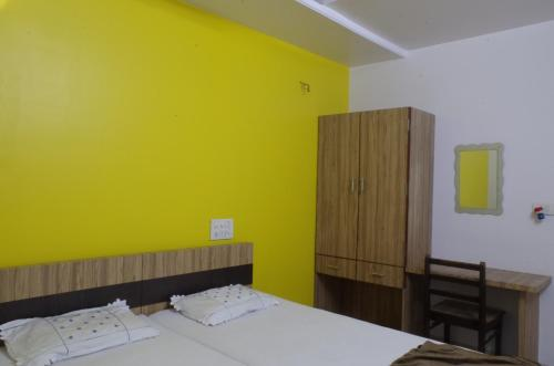 Budget Double Room (AC)